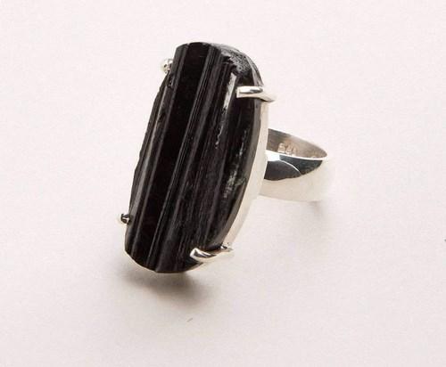 crni turmalin prsten