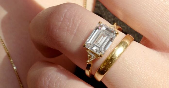 sanovnik prsten burma